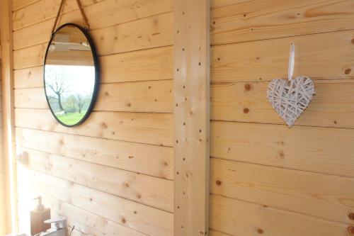 Nuit-insolite-proche-Puy-du-Fou-papilles-et-pupilles-pod-sanitaires